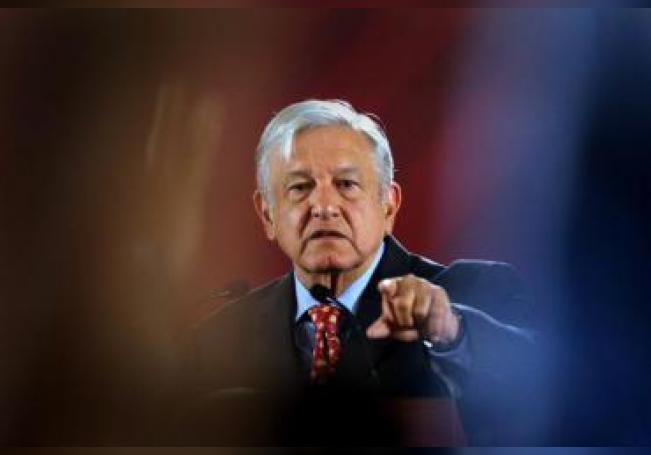 El presidente de México, Andrés Manuel López Obrador, habla durante su habitual rueda de prensa matutina, en el Palacio Nacional, en Ciudad de México (México). EFE/Archivo