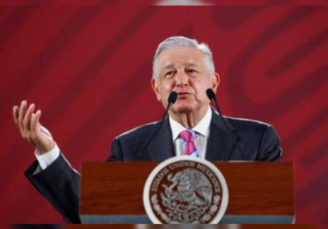 El presidente de México, Andrés Manuel López Obrador, habla durante su rueda de prensa matutina en el Palacio Nacional de Ciudad de México (México). EFE/Archivo