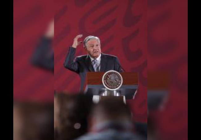 El presidente de México Andrés Manuel López Obrador, ofrece su conferencia de prensa matutina este martes, en el Palacio Nacional, en Ciudad de México (México). EFE