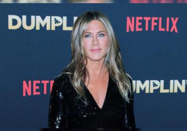 La actriz estadounidense Jennifer Aniston posa durante la presentación de la película 'Dumplin' en Hollywood, California (EE.UU), el 6 de diciembre de 2018. EFE/Archivo