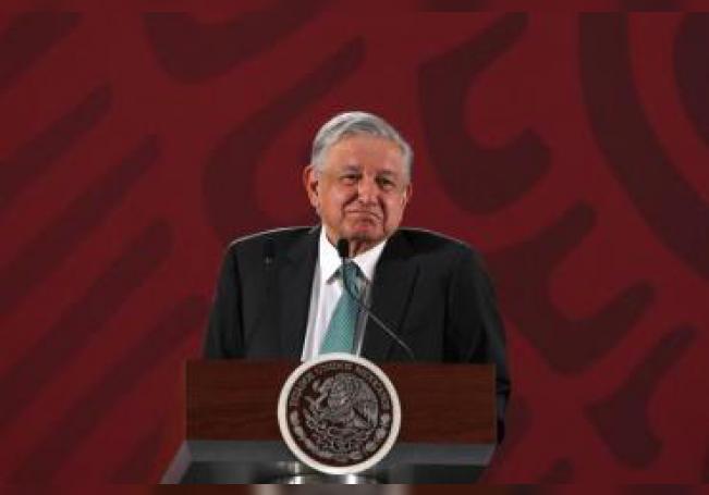 El presidente de México, Andrés Manuel López Obrador, habla durante su rueda de prensa matutina hoy, martes 18 de junio de 2019, en Palacio Nacional en Ciudad de México (México). EFE