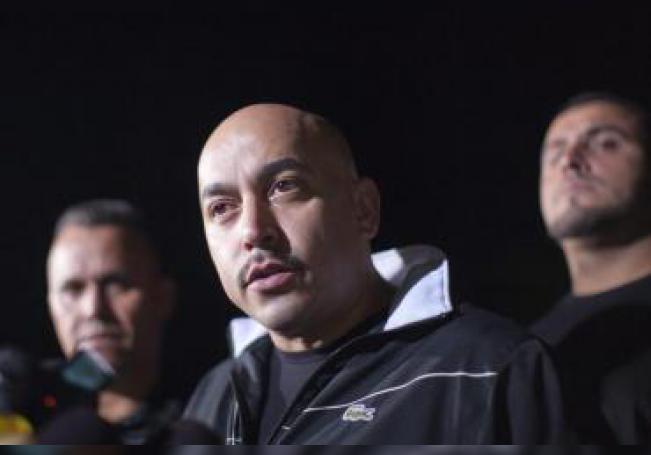 El cantante mexicano Lupillo Rivera habla en una rueda de prensa. EFE/Archivo