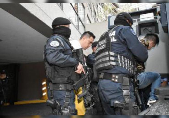 Fotografía del 1 de marzo de 2019 que muestra la detención de líderes de grupos delictivos en Ciudad de México (México). EFE/STR/Archivo