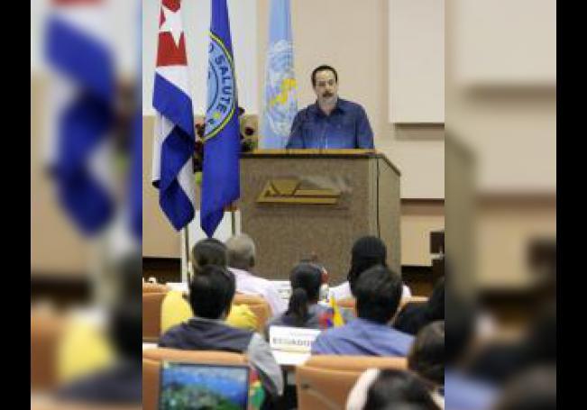 l viceministro primero de Salud Pública en Cuba, José Ángel Portal Miranda, pronuncia un discurso de clausura, el jueves 30 de octubre de 2014, en la reunión técnica convocada por la Alianza Bolivariana para los Pueblos de Nuestra América (ALBA) en La Habana (Cuba). EFE/Archivo
