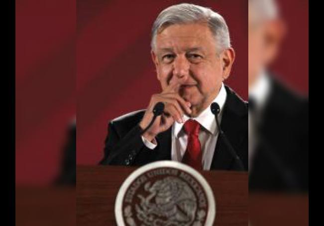 El presidente de México, Andrés Manuel López Obrador, habla durante su rueda de prensa matutina este miércoles, en el Palacio Nacional de Ciudad de México (México). EFE/ Mario Guzmán