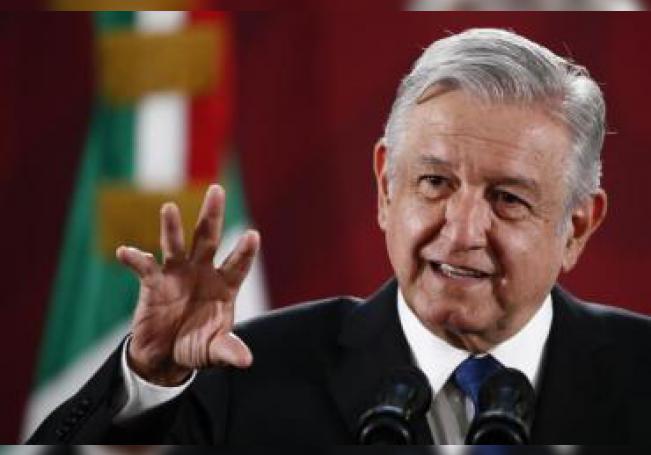 El presidente de México, Andrés Manuel López Obrador, durante su conferencia de prensa matutina, en Palacio Nacional, en Ciudad de México (México). EFE/José Méndez/Archivo