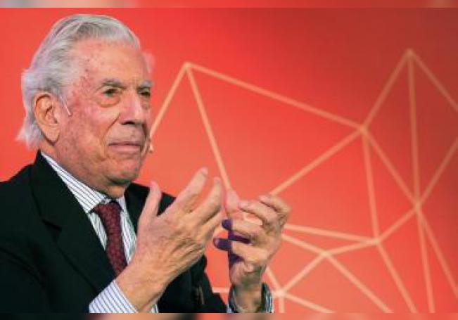 Fotografía del Premio Nobel de Literatura, Mario Vargas Llosa. EFE/Fernando Díaz/Archivo