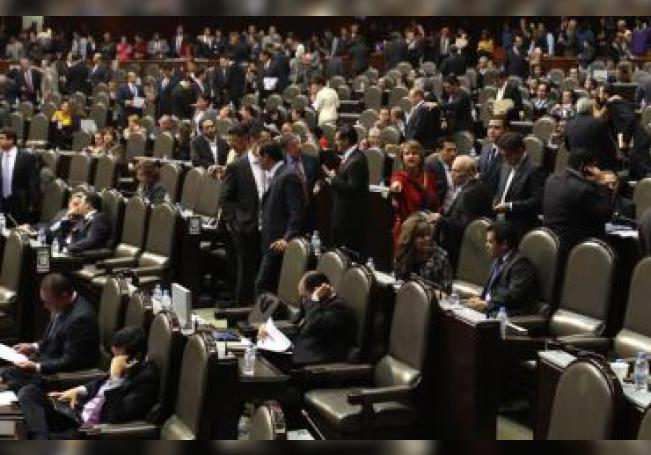 Los campesinos se instalaron en los alrededores del Palacio Legislativo de San Lázaro con casas de campaña el pasado 11 de noviembre para exigir, entre otros puntos, partidas más generosas para el sector primario.