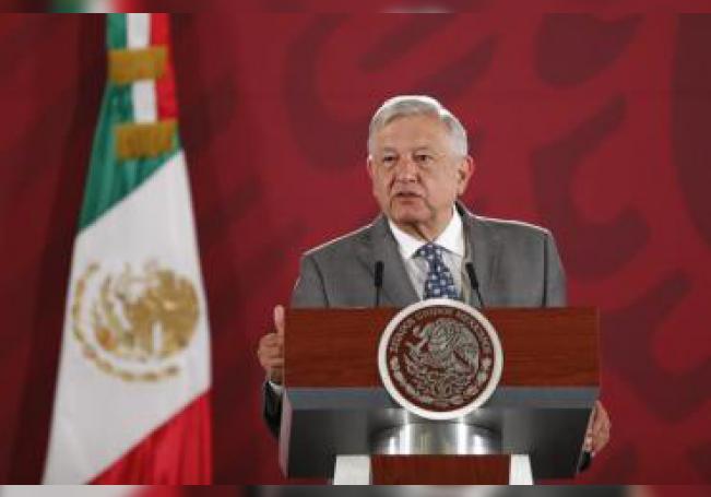 El presidente de México, Andrés Manuel López Obrador, habla durante su conferencia diaria desde Palacio Nacional, en Ciudad de México (México). EFE/ José Méndez