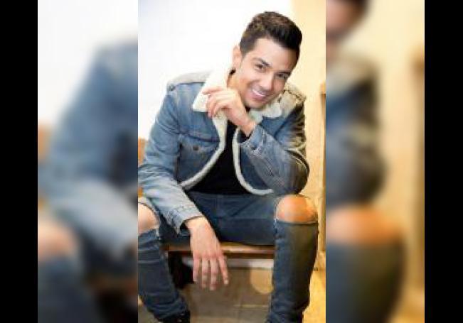 El cantante mexicano-estadounidense Luis Miguel Coronel Gámez posa durante una entrevista con Efe el 2 de diciembre de 2019, en Los Ángeles, California (EE.UU.). EFE/ Armando Arorizo