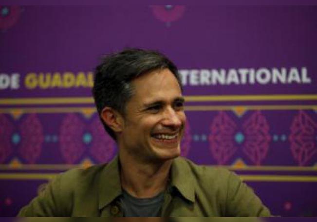 El actor y director mexicano Gael García Bernal ofrece una rueda de prensa en el marco de la 33 edición de la Feria Internacional del Libro (FIL) de Guadalajara (México). EFE/Francisco Guasco