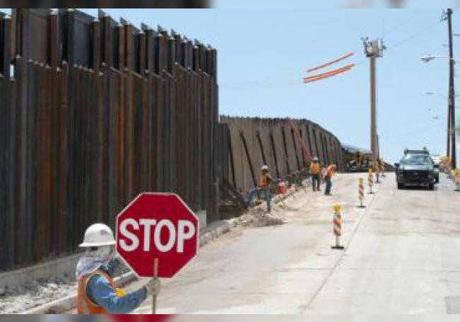 Esta partida estaba inicialmente destinada a la lucha contra el narcotráfico y forma parte de los 6.600 millones de dólares que Trump desvió para la construcción del muro bajo la emergencia nacional que declaró en febrero en la frontera sur.