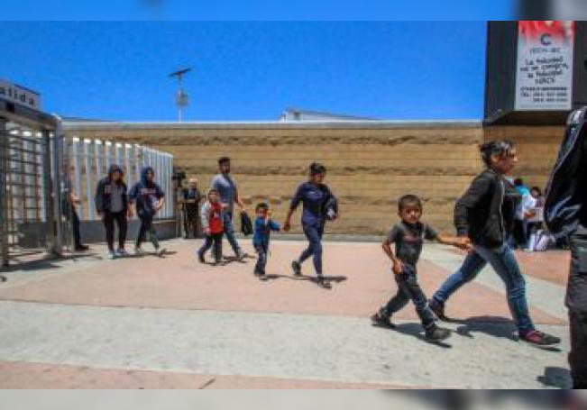 La crisis en la frontera con México alcanzó su cota más alta en mayo pasado, cuando se contaron 132.887 detenciones, un récord de arrestos en un solo mes no visto desde 2006.