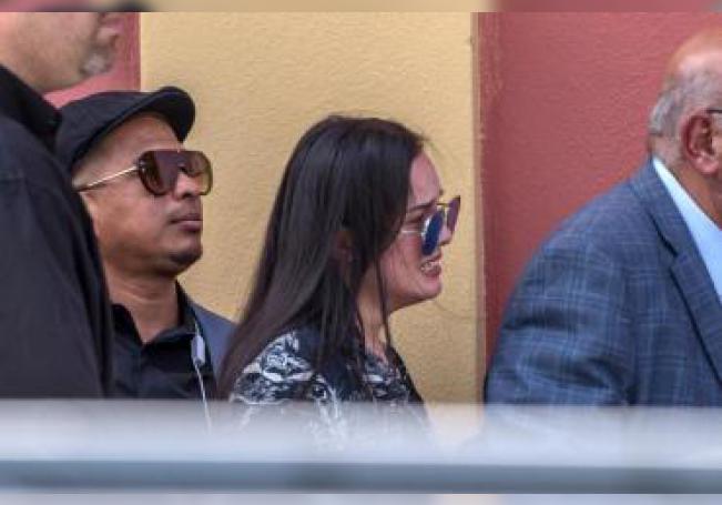 Sarita Sosa, hija del cantante José José, llega al Miami Dade Auditorium, donde se le rinde homenaje al artista, en Miami, Florida (EE.UU.). EFE/Giorgio Viera/Archivo