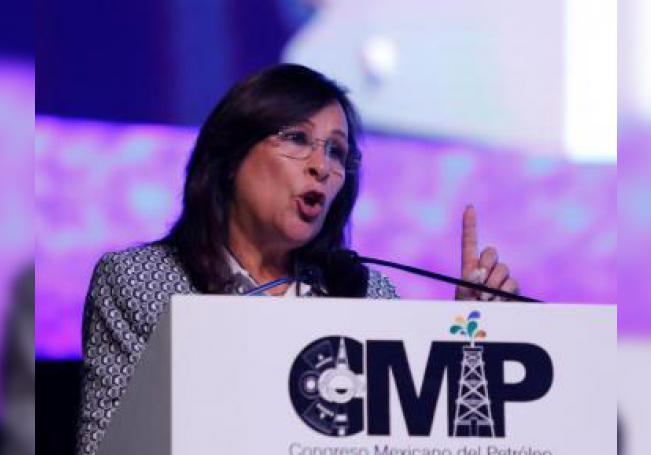 La secretaria de Energía de México, Rocío Nahle, habla durante su conferencia magistral en el Congreso Mexicano del Petróleo (CMP) en León, estado de Guanajuato (México). EFE/ Luis Ramírez/Archivo