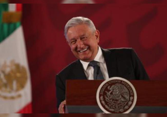 El presidente de México, Andrés Manuel López Obrador, ofrece una rueda de prensa matutina este viernes, en el Palacio Nacional de Ciudad de México (México). EFE/ Mario Guzmán