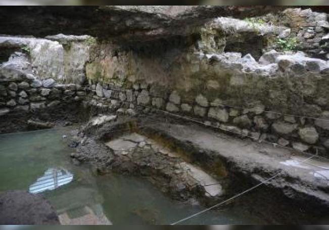 Fotografía cedida este martes por el Instituto Nacional de Antropología e Historia (INAH), que muestra restos de un temascal prehispánico hallado en Ciudad de México (México). EFE/INAH/ SOLO USO EDITORIAL NO VENTAS