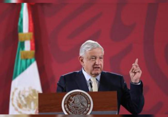 El presidente de México, Andrés Manuel López Obrador, ofrece su rueda de prensa matutina este miércoles, en el Palacio Nacional de Ciudad de México (México). EFE/ Sáshenka Gutiérrez