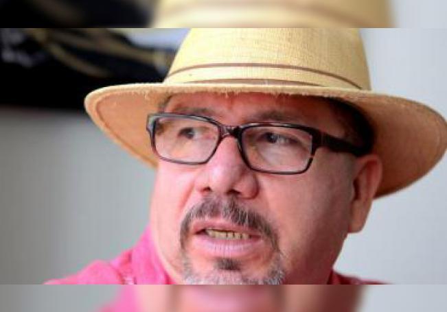 El escritor mexicano Javier Valdez habla durante una entrevista con Efe el sábado 22 de agosto de 2015, en Ciudad de México (México). EFE/Jorge Núñez/Archivo