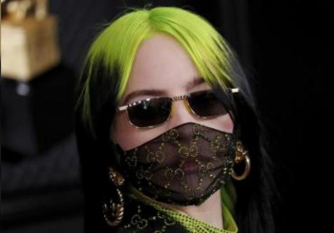 Billie Eilish arrives for the 62nd Annual Grammy Awards ceremony at the Staples Center in Los Angeles, California, USA, 26 January 2020. (Estados Unidos) EFE/EPA/ETIENNE LAURENT