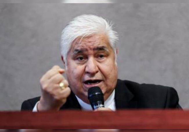 El presidente de la Conferencia del Episcopado Mexicano (CEM), Rogelio Cabrera López, habla durante una rueda de prensa en Ciudad de México (México).EFE/José Méndez/Archivo