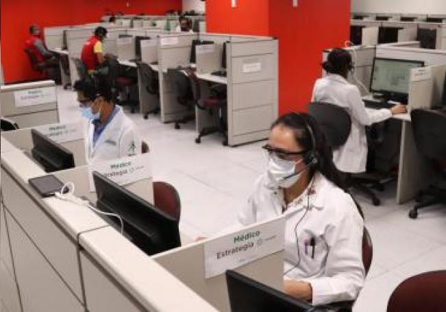 Fotografía fechada el 13 de mayo de 2020, que muestra las instalaciones del centro de operaciones de Locatel, en Ciudad de México (México). EFE/José Pazos