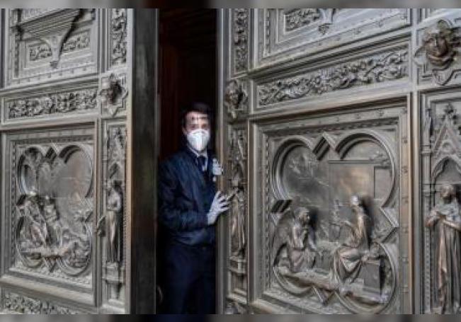 Imagen de la catedral de Florencia, que abrirá mañana sus puertas al público, tras más de dos meses cerrada por la pandemia del coronavirus.
