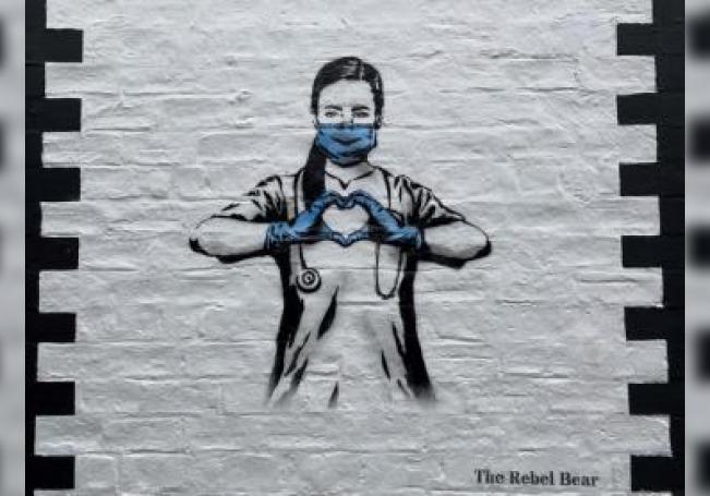 Obra del artista The Rebel Bear. EFE/ Remei Calabuig