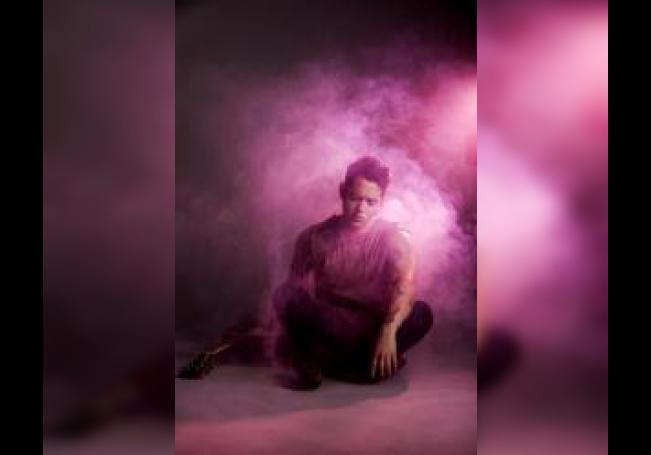 El cantante mexicano Chucho Rivas complace a sus fanáticos con su nuevo sencillo
