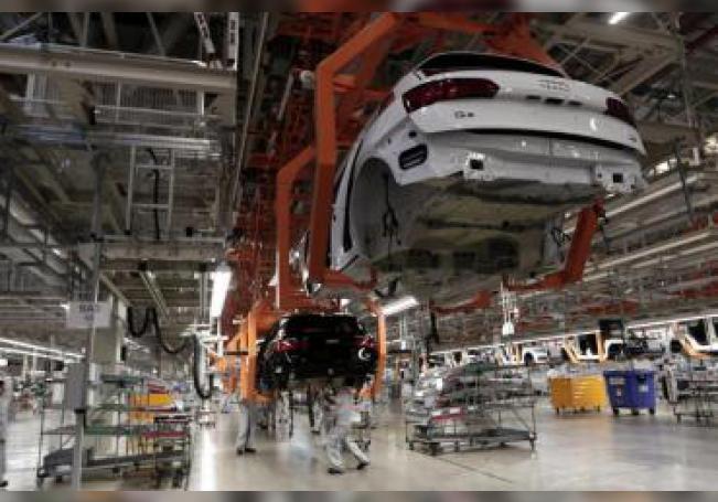 El sector automotor afronta retos como los protocolos sanitarios de COVID-19, las nuevas reglas comerciales y la situación económica para su reactivación.