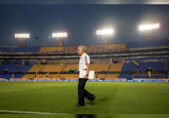 En la imagen el entrenador brasileño Ricardo Ferretti, del Tigres de la Universidad Autónoma de Nuevo León (UANL). EFE/Miguel Sierra/Archivo