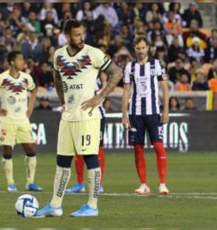 El delantero Emanuel Aguilera del América. EFE/Víctor Araiza/Archivo