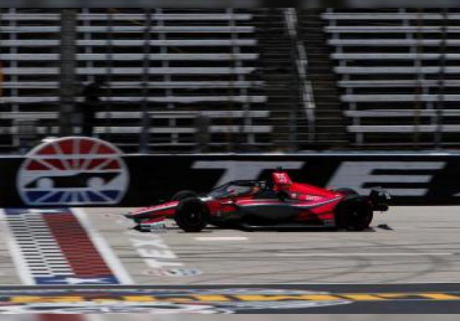 Fotografía cedida por Dale Coyn Racing donde aparece el auto del piloto español Álex Palou Montalbo durante las sesiones de prácticas este sábado en el Texas Motor Speedway en Fort Worth, Texas (EE.UU.). EFE/ Chris Jones/ Dale Coyn Racing
