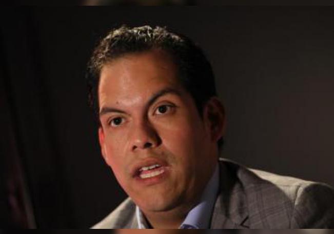 El presidente de Lucha Libre AAA del mundo, Dorian Joaquín Roldán Peña, habla en una entrevista con Efe durante el encuentro de la industria deportiva Sports Meet, en Ciudad de México (México). EFE/Jorge Núñez/Archivo