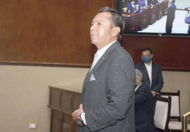 Los contadores también están en desacuerdo con la designación de Muñoz Castillo.