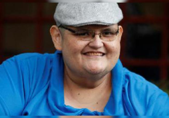 Originario de Aguascalientes, Pedro fue ganando peso desde la infancia debido a una predisposición genética. Cuando cumplió 17 años tuvo un accidente que lo mantuvo en cama y le hizo llegar a más de 300 kilos hasta que ya no pudo levantarse.