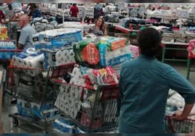 El papel higiénico fue uno de los artículos que pronto se terminó en los supermercados ante la pandemia de coronavirus.