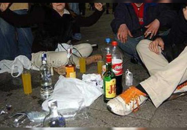 La problemática se agudiza sobre todo por la forma en la que se consume el alcohol tanto en hombres como en mujeres jóvenes