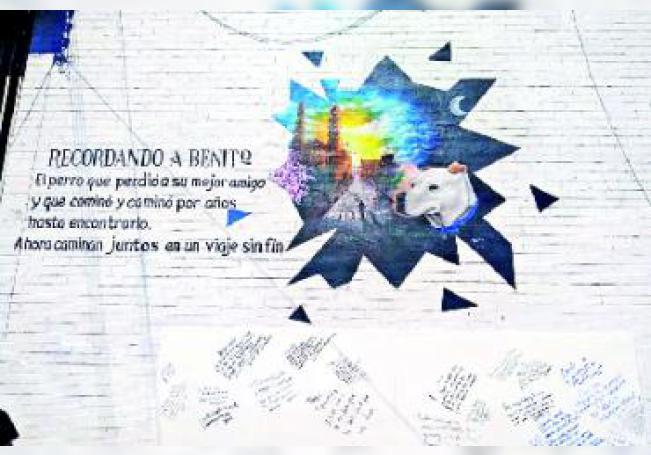 """El mural fue hecho en honor al conocido perro """"Benito""""."""