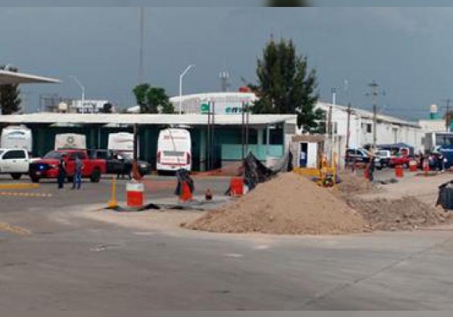 Elementos de la Policía en un operativo llevado a cabo el fin de semana en la Central Camionera para tratar de localizar a los asaltantes colombianos.