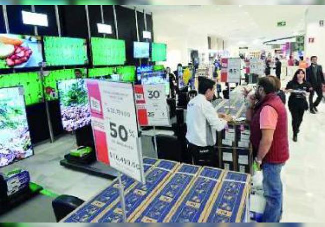 El centro comercial más saturado hasta hoy sigue siendo Altaria, y le sigue Galerías, mientras que en el sur el mayor movimiento se concentró en el Centro Comercial Villasunción.