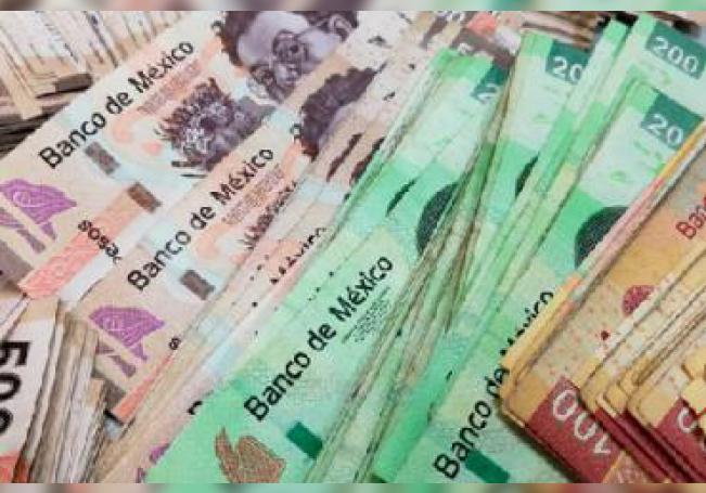 La derrama económica de este año por pago de aguinaldos y fondo de ahorro de los trabajadores rebasará los 3,200 millones de pesos en el Estado.