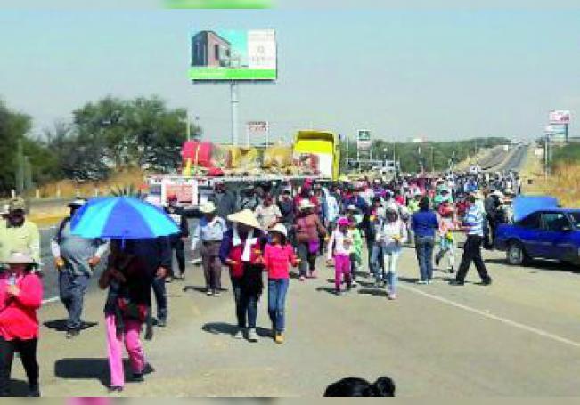 El camino es pesado, para quienes parten de Aguascalientes el trayecto se recorre en un tiempo estimado de 20 a 25 horas, dependiendo del ritmo del andar de cada persona.