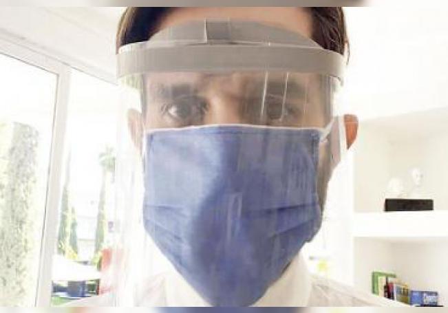 Las mascarillas de nombre Face Shields, están siendo fabricadas en el laboratorio Makers Lab de la Universidad Cuauhtémoc.