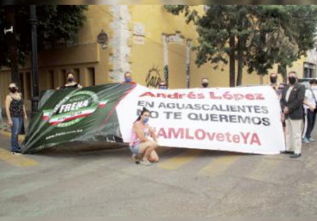 Decenas de vehículos se congregaron para participar en la manifestación contra el presidente López Obrador.
