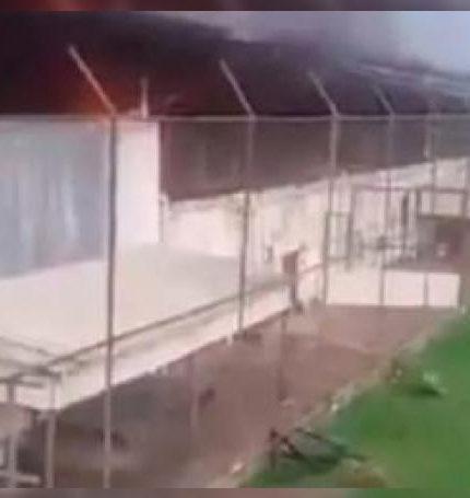 Además de los muertos, varias personas resultaron heridas y dos agentes penitenciarios fueron tomados como rehenes, pero ya están liberados.