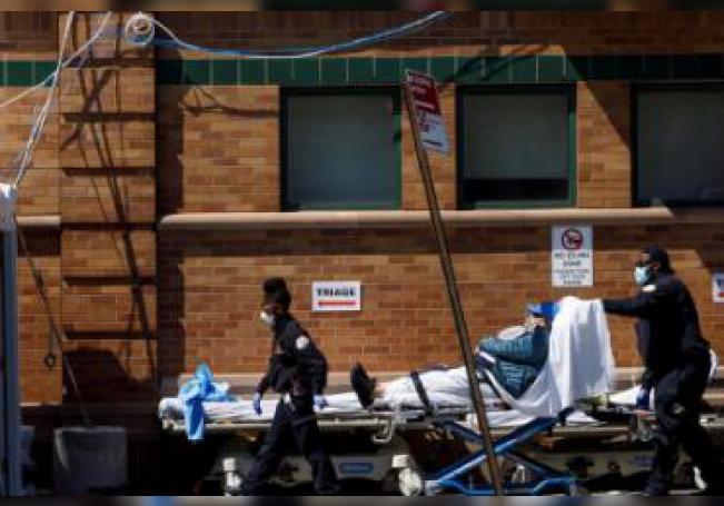 Superar la cifra de fallecidos del día más negro de su historia supone otro trágico hito para Nueva York, que se ha convertido en el epicentro del COVID-19 en Estados Unidos.