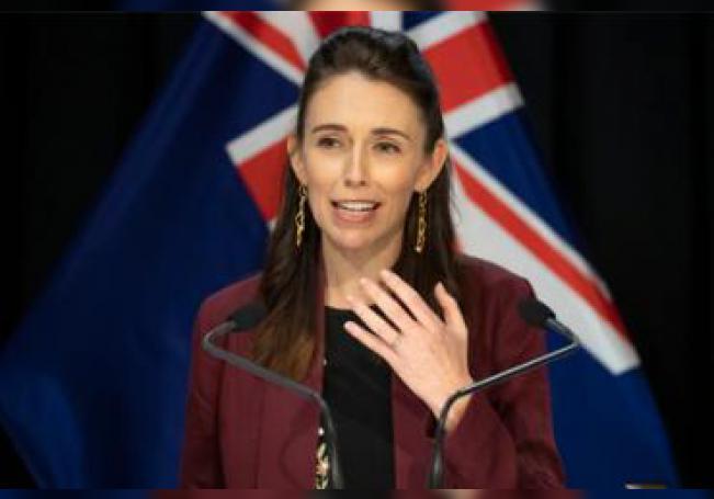 La premier Jacinda Ardern en una conferencia de prensa sobre las políticas contra el coronavirus.