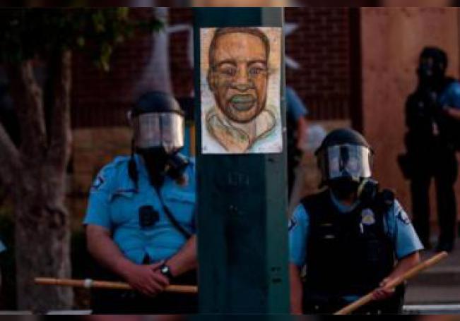 Derek Chauvin fue arrestado por su presunta responsabilidad en la muerte de Floyd.