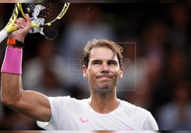 Nadal, que será momentáneamente líder del ránking el lunes, se asegurará esa plaza al final de temporada por quinta vez si gana el torneo o si alcanza la semifinal y supera una ronda más que el serbio.